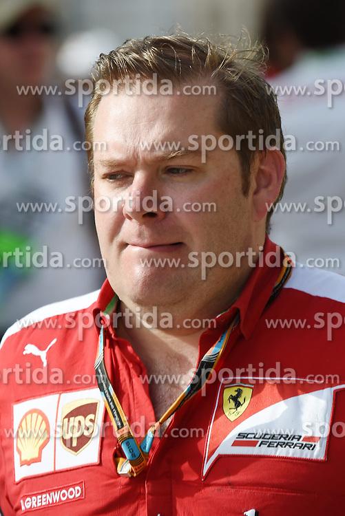 18.04.2015, International Circuit, Sakhir, BHR, FIA, Formel 1, Grand Prix von Bahrain, Qualifying, im Bild David Greenwood (GBR) Ferrari engineer // during Qualifying of the FIA Formula One Bahrain Grand Prix at the International Circuit in Sakhir, Bahrain on 2015/04/18. EXPA Pictures &copy; 2015, PhotoCredit: EXPA/ Sutton Images/ Mark<br /> <br /> *****ATTENTION - for AUT, SLO, CRO, SRB, BIH, MAZ only*****