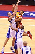 DESCRIZIONE : Milano Coppa Italia Final Eight 2013 Ottavi di Finale Pallacanestro Cantu' Acea Roma<br /> GIOCATORE : Jordan Taylor<br /> CATEGORIA : special Attacco Scontro Aereo<br /> SQUADRA : Acea Roma<br /> EVENTO : Beko Coppa Italia Final Eight 2013<br /> GARA : Pallacanestro Cantu' Acea Roma<br /> DATA : 07/02/2013<br /> SPORT : Pallacanestro<br /> AUTORE : Agenzia Ciamillo-Castoria/A.Giberti<br /> Galleria : Lega Basket Final Eight Coppa Italia 2013<br /> Fotonotizia : Milano Coppa Italia Final Eight 2013 Ottavi di Finale Pallacanestro Cantu' Acea Roma<br /> Predefinita :