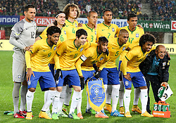 18.11.2014, Ernst Happel Stadion, Wien, AUT, Freundschaftsspiel, Oesterreich vs Brasilien, im Bild Diego Alves (BRA), Filipe Luis (BRA), David Luiz (BRA), Miranda (BRA), Douglas Costa (BRA), Luiz Gustavo (BRA), Luiz Adriano (BRA), Oscar (BRA), Neymar jr (BRA), Fernandinho (BRA), Roberto Firmino (BRA) // during the friendly match between Austria and Brasil at the Ernst Happel Stadion, Vienna, Austria on 2014/11/18. EXPA Pictures © 2014, PhotoCredit: EXPA/ Alexander Forst