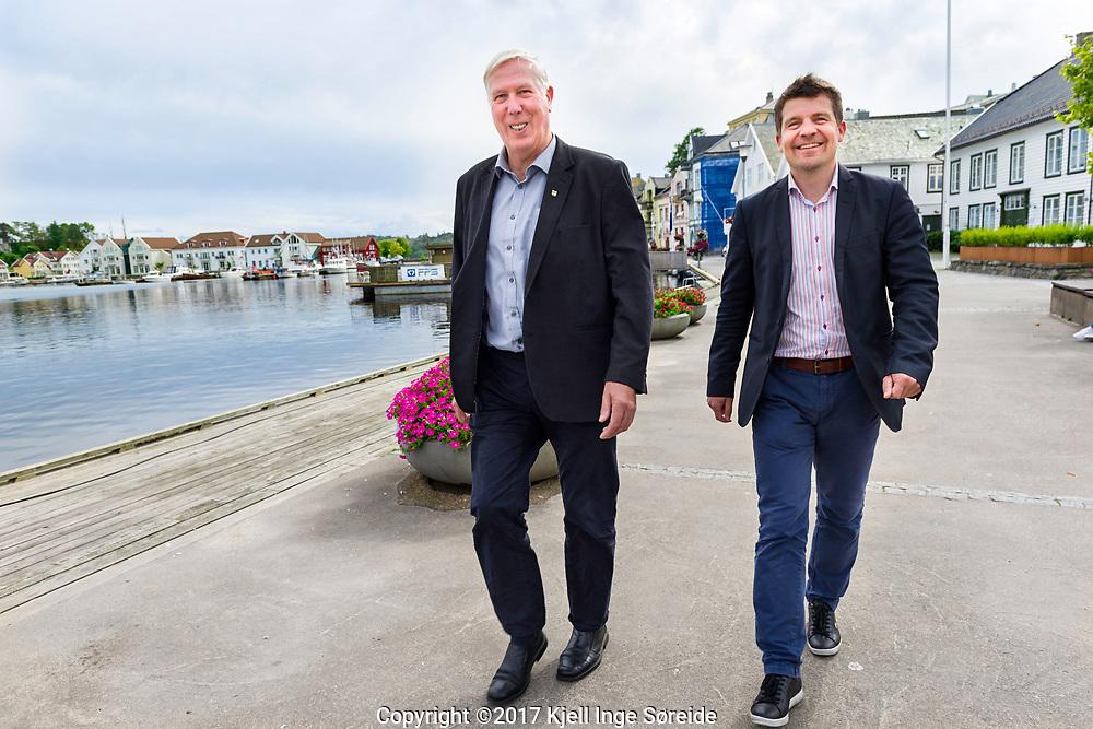 20170830 Farsund, <br /> <br /> UiA jubileumsmagasin<br /> <br /> Ordfører Arnt Abrahamsen og rådmann Vidar Torsøe i Farsund kommune.<br /> <br /> Foto: Kjell Inge Søreide