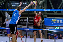 04-01-2020 NED: NK Beach volleyball Indoor, Aalsmeer<br /> Christiaan Varenhorst, Cain van Hal #1