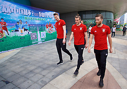 NANNING, CHINA - Wednesday, March 21, 2018: Wales' goalkeeper Wayne Hennessey, Gareth Bale and Adam Matthews during a team walk near the Wanda Realm Resort ahead of the 2018 Gree China Cup International Football Championship. (Pic by David Rawcliffe/Propaganda)