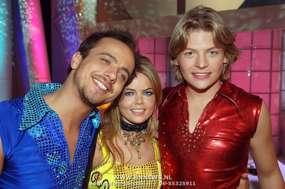 NLD/Hilversum/20070309 - 9e Live uitzending SBS Sterrendansen op het IJs 2007, Geert Hoes, Sita Vermeulen en Thomas Berge
