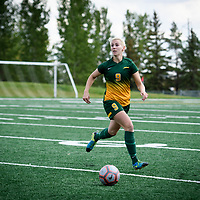 4th year midfielder Nikita Senko (9) of the Regina Cougars during the Women's Soccer home game on September 17 at U of R Field. Credit: Arthur Ward/Arthur Images