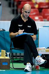 20-08-2009 VOLLEYBAL: WGP FINALS DUITSLAND - NEDERLAND: TOKYO<br /> Nederland wint ook de tweede wedstrijd. Ditmaal werd Duitelsnad met 3-2 verslagen / Ass. Coach<br /> ©2009-WWW.FOTOHOOGENDOORN.NL