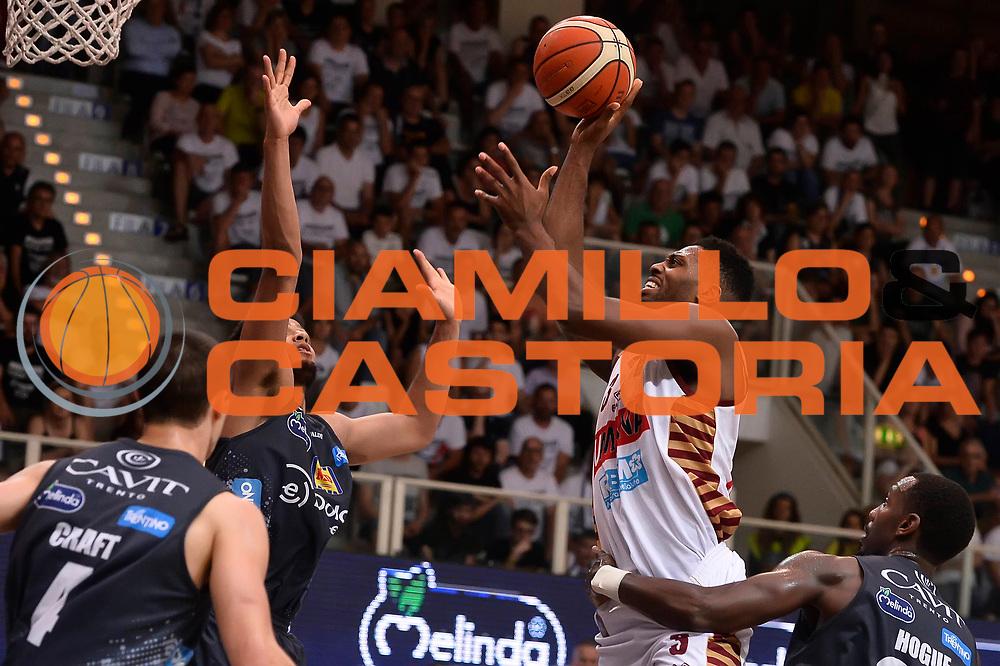 Melvin Ejim<br /> Dolomiti Energia Aquila Basket Trento - Umana Reyer Venezia<br /> Playoff Gara 4<br /> Lega Basket 2016/2017<br /> Trento 16/06/2017<br /> Foto Ciamillo-Castoria