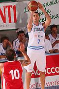 DESCRIZIONE : Bormio Raduno Collegiale Nazionale Maschile Amichevole Italia Polonia <br /> GIOCATORE : Matteo Soragna<br /> SQUADRA : Nazionale Italia Uomini Italy <br /> EVENTO : Raduno Collegiale Nazionale Maschile <br /> GARA : Italia Polonia Italy Polonia <br /> DATA : 29/07/2008 <br /> CATEGORIA : Palleggio <br /> SPORT : Pallacanestro <br /> AUTORE : Agenzia Ciamillo-Castoria/S.Silvestri <br /> Galleria : Fip Nazionali 2008 <br /> Fotonotizia : Bormio Raduno Collegiale Nazionale Maschile Amichevole Italia Polonia <br /> Predefinita :