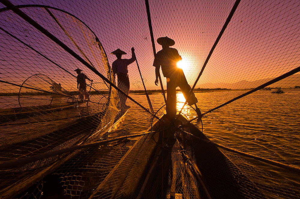 Three legrowing fisherman, Inle Lake, Burma (Myanmar)