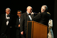 Mannheim. 11.02.18  <br /> Nationaltheater. Gro&szlig;e b&uuml;rgerschaftliche Auszeichnung &quot;Das Bloomaul&quot; an Rolf G&ouml;tz.<br /> Das Auswahlkomitee, darunter Bert Siegelmann, Achim Weizel und Marcus Haas, entschied sich f&uuml;r Rolf G&ouml;tz. Helen Heberer h&auml;lt die Laudatio.<br /> Bild-ID 079   Markus Pro&szlig;witz 11FEB18 / masterpress