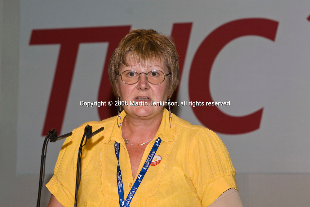 Marilyn Bater, NUT, speaking at the TUC Conference 2008..© Martin Jenkinson, tel 0114 258 6808 mobile 07831 189363 email martin@pressphotos.co.uk. Copyright Designs & Patents Act 1988, moral rights asserted credit required. No part of this photo to be stored, reproduced, manipulated or transmitted to third parties by any means without prior written permission