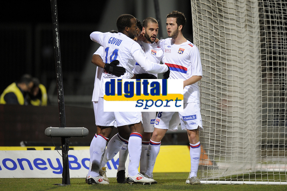 FOOTBALL - FRENCH CHAMPIONSHIP 2009/2010 - L1 - OLYMPIQUE LYONNAIS v OGC NICE - 27/02/2010 - PHOTO JEAN MARIE HERVIO / DPPI - JOY LYON