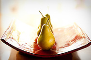 Food photography of a tray of pears. Photo by studio photographer Matthew Lemke