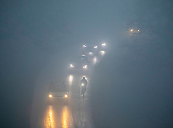 © Licensed to London News Pictures. 22/01/2020. London, UK. Pea soup for commuters in Richmond Park this morning. Another foggy start for commuters this morning in Richmond as forecasters predict lingering fog and milder weather for the week ahead. Photo credit: Alex Lentati/LNP