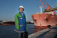 Seit 15 Jahren kontrolliert Ulf Christiansen im Hamburger Hafen die Lebens- und Arbeitsbedingungen von Seeleuten. Unterwegs mit einen Mann, der für die Rechte der Matrosen kämpft.