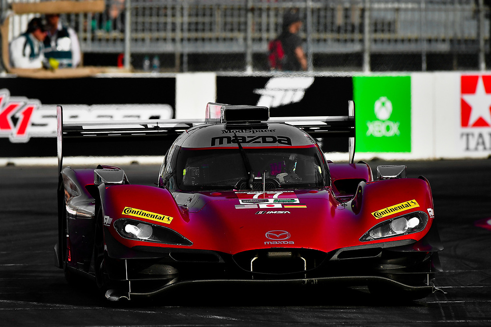 #77 Mazda Team Joest Mazda DPi, P: Oliver Jarvis, Tristan Nunez<br /> Friday 13 April 2018<br /> BUBBA burger Sports Car Grand Prix at Long Beach<br /> Verizon IndyCar Series<br /> Streets of Long Beach CA USA<br /> World Copyright: Scott R LePage<br /> LAT Images