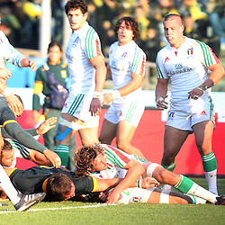 PADUA, ITALY - NOVEMBER 22: Coenie Oosthuizen of South Africa over for the 1st try during the Castle Lager Outgoing Tour match between Italy and South African at Stadio Euganeo on November 22, 2014 in Padua, Italy. (Photo by Steve Haag/Gallo Images)