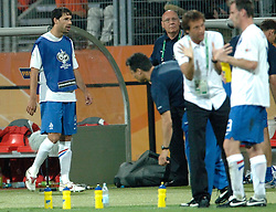 25-06-2006 VOETBAL: FIFA WORLD CUP: NEDERLAND - PORTUGAL: NURNBERG<br /> Oranje verliest in een beladen duel met 1-0 van Portugal en is uitgeschakeld / VAN NISTELROOIJ Ruud<br /> ©2006-WWW.FOTOHOOGENDOORN.NL