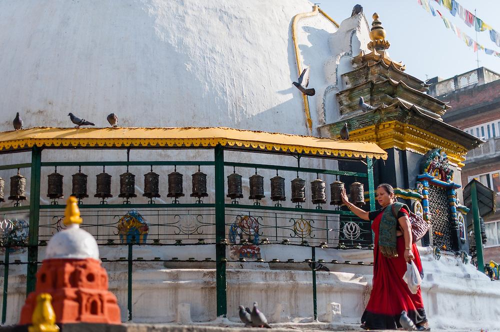 Woman at Boudhanath Temple in Kathmandu (Nepal)