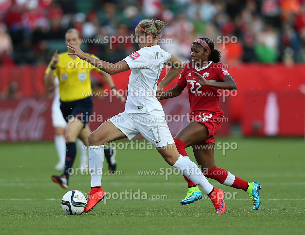 12.06.2015, Commonwealth Stadium, Edmonton, CAN, FIFA WM, Frauen, Kanada vs Neuseeland, Gruppe A, im Bild Hannah Wilkinson of New Zealand(L) vies. The match ended with a 0-0 draw // during group A match of FIFA Women's World Cup between Canada and New Zealand at the Commonwealth Stadium in Edmonton, Canada on 2015/06/12. EXPA Pictures &copy; 2015, PhotoCredit: EXPA/ Photoshot/ Qin Lang<br /> <br /> *****ATTENTION - for AUT, SLO, CRO, SRB, BIH, MAZ only*****