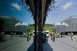 17.07.2012, FIFA Hauptsitz, Zuerich, SUI, FIFA Exekutiv Komitee Pressekonferenz, im Bild Journalisten warten vor dem Hauptsitz der FIFA // during the FIFA Executive Committee press conference at the FIFA Headquater, Zuerich, Switzerland on 2012/07/17. EXPA Pictures © 2012, PhotoCredit: EXPA/ Freshfocus/ Andy Mueller..***** ATTENTION - for AUT, SLO, CRO, SRB, BIH only *****