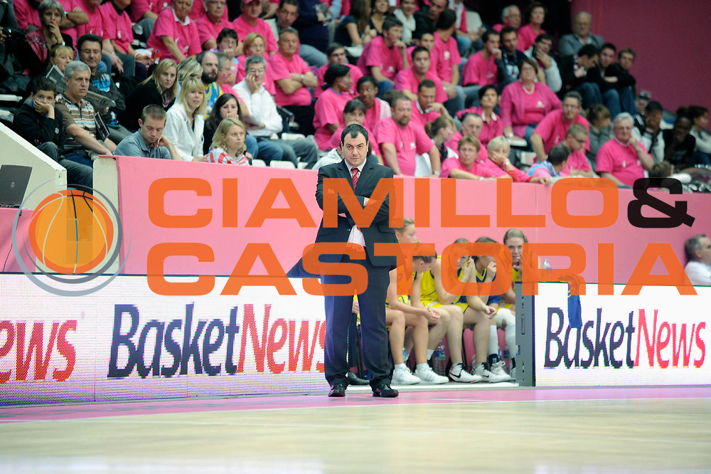 DESCRIZIONE : Ligue Feminine de Basket Ligue Open Feminin1 Journee &agrave; Paris<br /> GIOCATORE : Cyril SICSIC<br /> SQUADRA : Calais <br /> EVENTO : Ligue Feminine 2010-2011<br /> GARA : Calais Mondeville<br /> DATA : 16/10/2010<br /> CATEGORIA : Basketbal France Ligue Feminine<br /> SPORT : Basketball<br /> AUTORE : JF Molliere par Agenzia Ciamillo-Castoria <br /> Galleria : France Basket 2010-2011 Action<br /> Fotonotizia : Ligue Feminine de Basket Open Feminin1 Journee &agrave; Paris<br /> Predefinita :