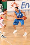 DESCRIZIONE : Bormio Torneo Internazionale Gianatti Finale Italia Croazia <br /> GIOCATORE : Matteo Soragna<br /> SQUADRA : Nazionale Italia Uomini <br /> EVENTO : Bormio Torneo Internazionale Gianatti <br /> GARA : Italia Croazia<br /> DATA : 04/08/2007 <br /> CATEGORIA : Palleggio<br /> SPORT : Pallacanestro <br /> AUTORE : Agenzia Ciamillo-Castoria/G.Cottini<br /> Galleria : Fip Nazionali 2007 <br /> Fotonotizia : Bormio Torneo Internazionale Gianatti Finale Italia Croazia<br /> Predefinita :