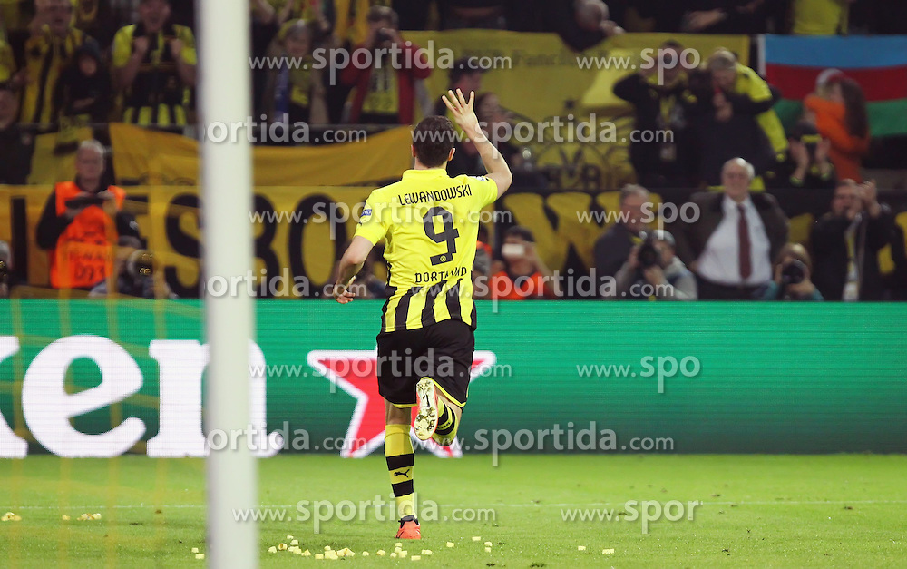 24.04.2013, Signal Iduna Park, Dortmund, GER, UEFA CL, Borussia Dortmund vs Real Madrid, Halbfinale, Hinspiel, im Bild Robert LEWANDOWSKI (Borussia Dortmund) bejubelt seinen Treffer zum 4:1, Torjubel/ Jubel, Emotionen // during UEFA Champions League 1st Leg Semifinal Match between Borussia Dortmund and Real Madrid at the Signal Iduna Park, Dortmund, Germany on 2013/04/24. EXPA Pictures © 2013, PhotoCredit: EXPA/ Eibner/ Alexander Neis..***** ATTENTION - OUT OF GER *****