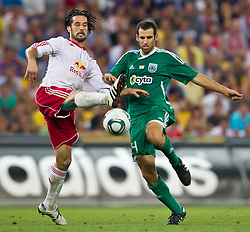 25.08.2011, Red Bull Arena, Salzburg, AUT, UEFA EL, Red Bull Salzburg vs Omonia Nikosia, im Bild Simon Cziommer  (Red Bull Salzburg, #19) vs Yuval Spungin, (Omonia Nikosia) // during the UEFA Europaleague 2nd Leg Match, Red Bull Salzburg against Omonia Nikosia, Red Bull Arena, Salzburg, 2011-08-25, EXPA Pictures © 2011, PhotoCredit: EXPA/ J. Feichter