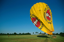 GERMANY SCHLESWIG-HOLSTEIN KIEL 9JUN02 - Deflating the balloon's hull is a controlled and carefully planned process. The balloon's hull is rolled up into a cocoon right where the craft lands...jre/Photo by Jiri Rezac..© Jiri Rezac 2002..Contact: +44 (0) 7050 110 417..Mobile:  +44 (0) 7801 337 683.Office:  +44 (0) 20 8968 9635..Email:   jiri@jirirezac.com.Web:     www.jirirezac.com