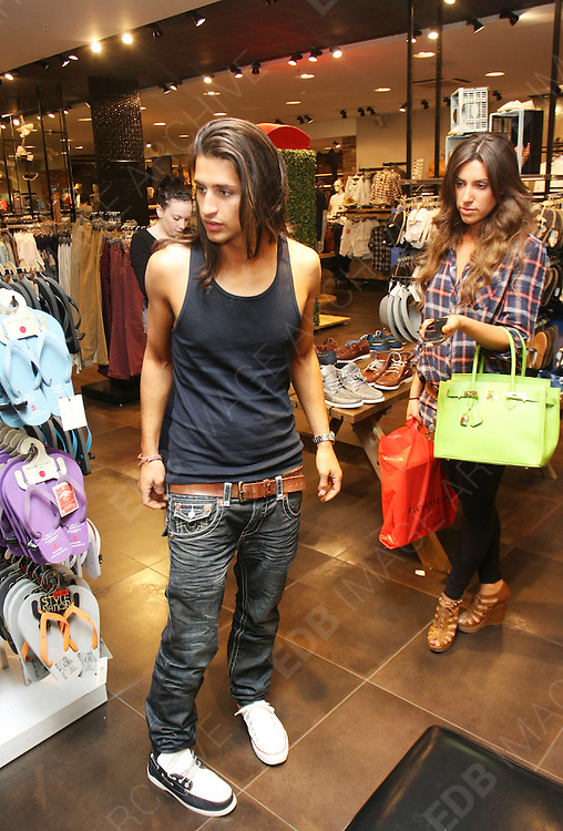 19.MAY.2011. LONDON<br /> <br /> MADE IN CHELSEA STARS GABRIELLE ELLIS AND OLLIE LOCKE SHOPPING IN LONDONS OXFORD STREET.<br /> <br /> BYLINE: EDBIMAGEARCHIVE.COM<br /> <br /> *THIS IMAGE IS STRICTLY FOR UK NEWSPAPERS AND MAGAZINES ONLY*<br /> *FOR WORLD WIDE SALES AND WEB USE PLEASE CONTACT EDBIMAGEARCHIVE - 0208 954 5968*