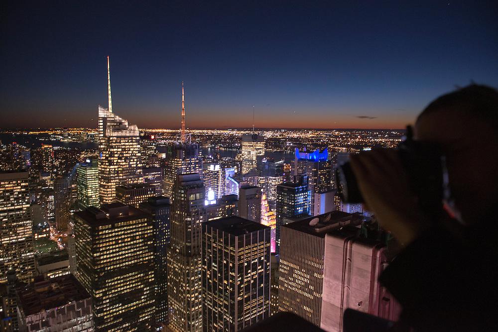New York Skyline from the Top of the Rock, Rockefeller Center, New York .