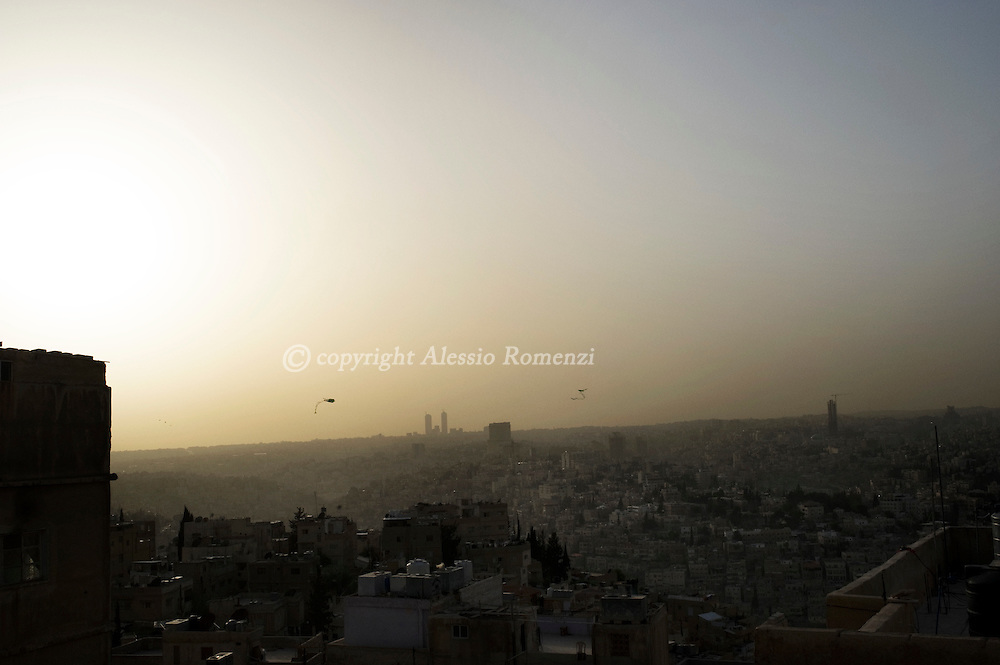 JORDAN, Amman : Home made kites in the sky of Amman on March 31, 2011. ALESSIO ROMENZI
