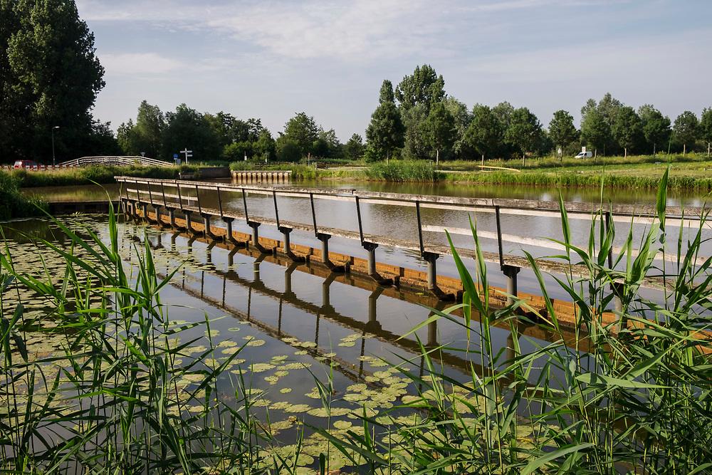 Nederland, Loenen aan de Vecht, 22 aug 2017<br /> Waterleidingkanaal. Kanaal voor transport van water voor de drinkwaterbereiding van Amsterdam.<br /> <br /> Foto: (c) Michiel Wijnbergh
