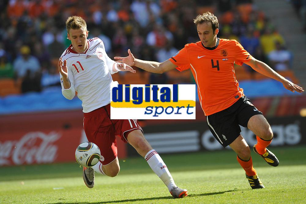 FOOTBALL - FIFA WORLD CUP 2010 - GROUP STAGE - GROUP E - NETHERLANDS v DENMARK - 14/06/2010 - PHOTO GUY JEFFROY / DPPI - NICKLAS BENDTNER (DEN) / JORIS MATHIJSEN (DEN)