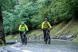 13-09-2017 SUI: BvdGF Tour du Mont Blanc day 5, Champex<br /> Deze etappe wordt volledig in Zwitserland verreden en bevat enkele mooie trails. We eindigen bergop waar er in Champex werd overnacht. Carlos, Eelco