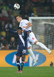 12.06.2010, Royal Bafokeng Stadium, Rustenburg, RSA, FIFA WM 2010, England (ENG) vs USA (USA), im Bild John Terry of England in action with Robbie Findley of USA, EXPA Pictures © 2010, PhotoCredit: EXPA/ IPS/ Mark Atkins / SPORTIDA PHOTO AGENCY
