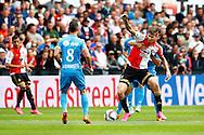 13-09-2015 VOETBAL:FEYENOORD-WILLEM II:ROTTERDAM<br /> Michiel Kramer van Feyenoord in duel met Dries Wuytens  van Willem II <br /> <br /> Foto: Geert van Erven