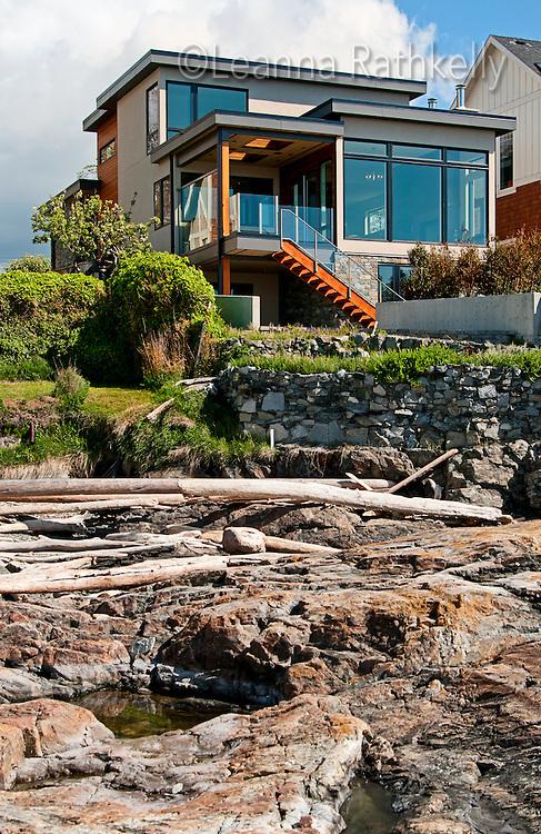 Sea Spray, A Contemporary Ocean Front Residence | Leanna Rathkelly ...