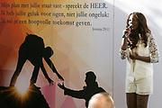 Koningin Maxima is eregast tijdens de viering van het vijfjarig bestaan van de vrijwilligersorganisatie Schuldhulpmaatje in de Hooglandse kerk. Tijdens het bezoek sprak zij met de vrijwilligers van de landelijke vereniging over de manier waarop zij mensen met schulden benaderen en begeleiding bieden. <br /> <br /> Queen Maxima is guest of honor at the celebration of the fifth anniversary of the volunteer organization debt relief buddy in the Highland church. During the visit she spoke approach with the volunteers of the national association about the way they people in debt and offer guidance.