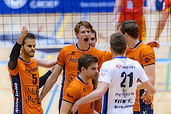 13-04-2019 NED: Achterhoek Orion - Draisma Dynamo, Doetinchem<br /> Orion win the fourth set and play the final round against Lycurgus. Dynamo won 2-3 / Shalev Saada #5 of Orion, Twan Wiltenburg #9 of Orion