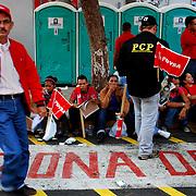 VENEZUELAN POLITICS / POLITICA EN VENEZUELA<br /> Concentration of Chavez supporters on May 1, Labour Day, Caracas - Venezuela 2009 / Concentracion de simpatizantes del chavismo el 1ero de Mayo, dia del trabajador, Caracas - Venezuela 2009<br /> (Copyright © Aaron Sosa)