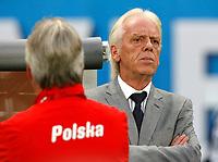 GEPA-1206086873 - WIEN,AUSTRIA,12.JUN.08 - FUSSBALL - UEFA Europameisterschaft, EURO 2008, Oesterreich vs Polen, AUT vs POL. Bild zeigt Teamchef Leo Beenhakker (POL).<br />Foto: GEPA pictures/ Felix Roittner