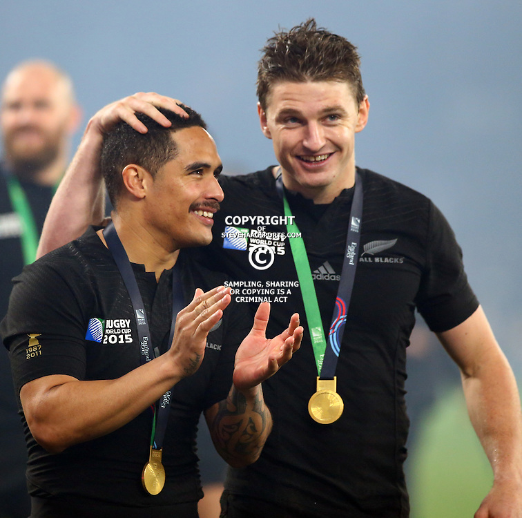 LONDON, ENGLAND - OCTOBER 31: Aaron Smith of New Zealand with Beauden Barrett of New Zealand during the Rugby World Cup Final match between New Zealand vs Australia Final, Twickenham, London on October 31, 2015 in London, England. (Photo by Steve Haag)