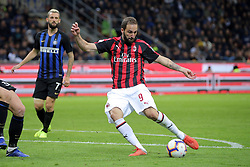 October 21, 2018 - Milan, Milan, Italy - Gonzalo Higuain #9 of AC Milan in action during the serie A match between FC Internazionale and AC Milan at Stadio Giuseppe Meazza on October 21, 2018 in Milan, Italy. (Credit Image: © Giuseppe Cottini/NurPhoto via ZUMA Press)