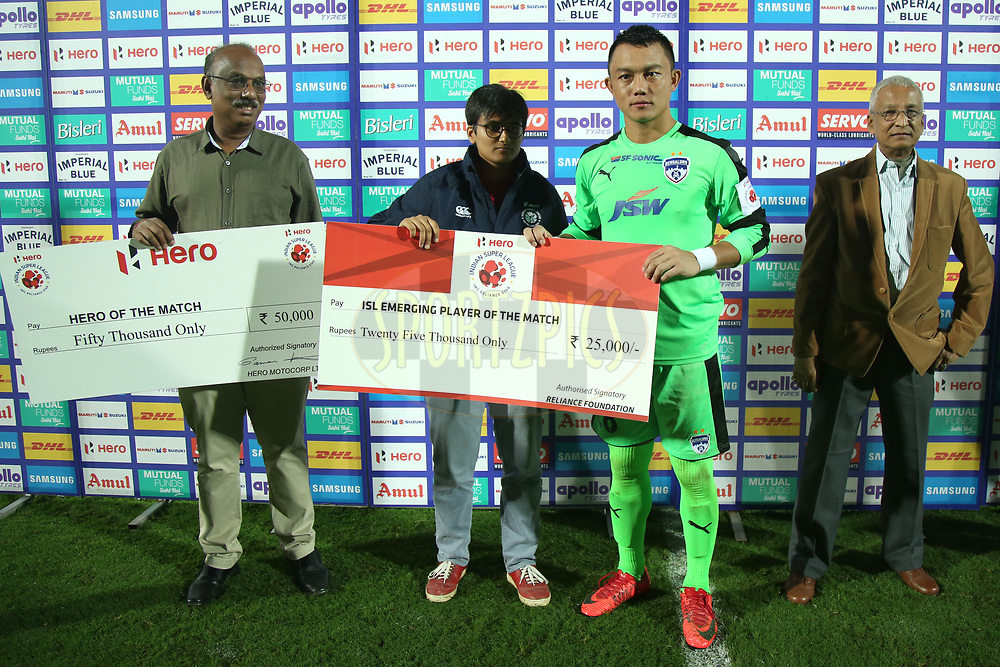 Lathuammawia Ralte of Bengaluru FC receive isl emerging player of the match award  during match 19 of the Hero Indian Super League between NorthEast United FC and Bengaluru FC held at the Indira Gandhi Athletic Stadium, Guwahati India on the 8th December 2017<br /> <br /> Photo by: Deepak Malik  / ISL / SPORTZPICS