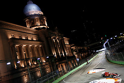 Motorsports / Formula 1: World Championship 2010, GP of Singapore, 08 Fernando Alonso (ESP, Scuderia Ferrari Marlboro),  town hall, Rathaus