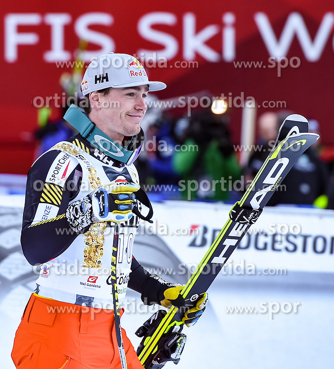 16.12.2016, Saslong, St. Christina, ITA, FIS Ski Weltcup, Groeden, Super G, Herren, Flower Zeremonie im Bild Erik Guay (CAN, 3. Platz) // third placed Erik Guay of Canada during the Flowers ceremony for the men's SuperG of FIS Ski Alpine World Cup at the Saslong race course in St. Christina, Italy on 2016/12/16. EXPA Pictures © 2016, PhotoCredit: EXPA/ Erich Spiess