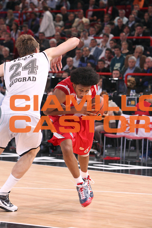 DESCRIZIONE : Parigi Paris Eurolega Eurolegue 2009-10 Final Four Semifinale Semifinal Partizan Belgrado Olympiacos Pireo Atene<br /> GIOCATORE : Josh Childress<br /> SQUADRA : Olympiacos Pireo Atene<br /> EVENTO : Eurolega 2009-2010 <br /> GARA : Partizan Belgrado Olympiacos Pireo Atene<br /> DATA : 07/05/2010 <br /> CATEGORIA : palleggio penetrazione<br /> SPORT : Pallacanestro <br /> AUTORE : Agenzia Ciamillo-Castoria/C.De Massis<br /> Galleria : Eurolega 2009-2010 <br /> Fotonotizia : Parigi Paris Eurolega Euroleague 2009-2010 Final Four Semifinale Semifinal Partizan Belgrado Olympiacos Pireo Atene<br /> Predefinita :
