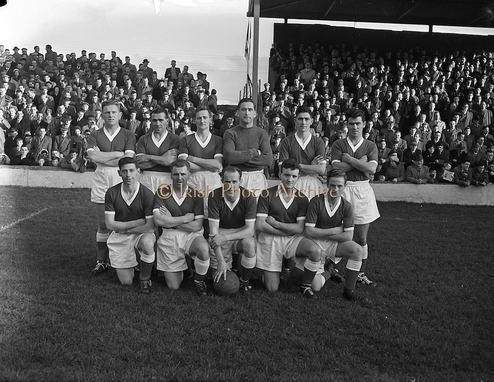 02/11/1957<br /> 11/02/1957<br /> 02 November 1957<br /> Soccer: Limerick v Shamrock Rovers at Glenmalure Park, Milltown, Dublin. The Limerick team.
