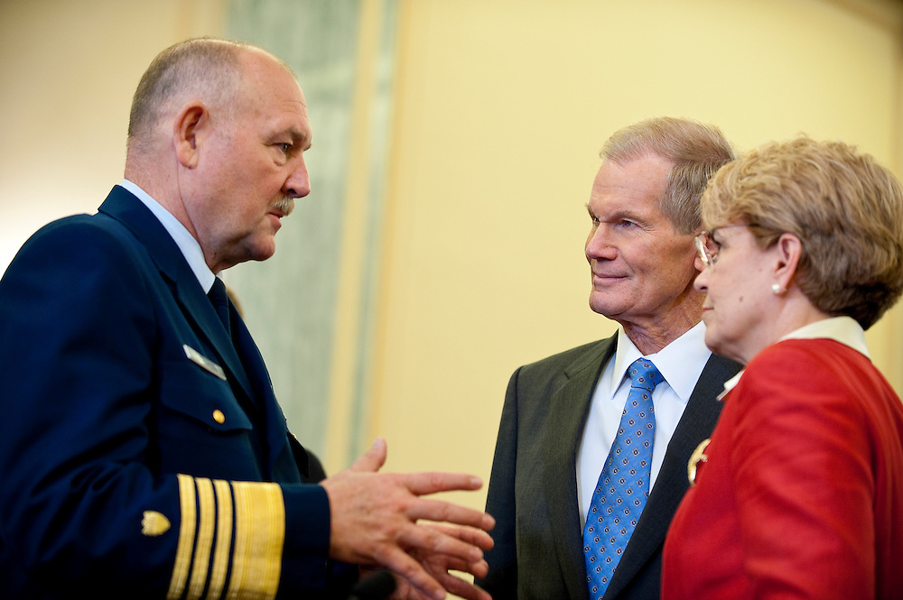 May 18,2010 - Washington, District of Columbia USA - Senator Bill Nelson speaks with Jane Lubchenco, administrator of the National Oceanic and Atmospheric Administration and Coast Guard Commandant Adm. Thad Allen before a hearing in front of the  Senate Commerce, Science and Transportation Committee on the response to the accident involving the Deepwater Horizon in the Gulf of Mexico.(Credit Image: © Pete Marovich/ZUMA Press)
